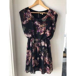 Lush Floral Short Sleeve Dress size small